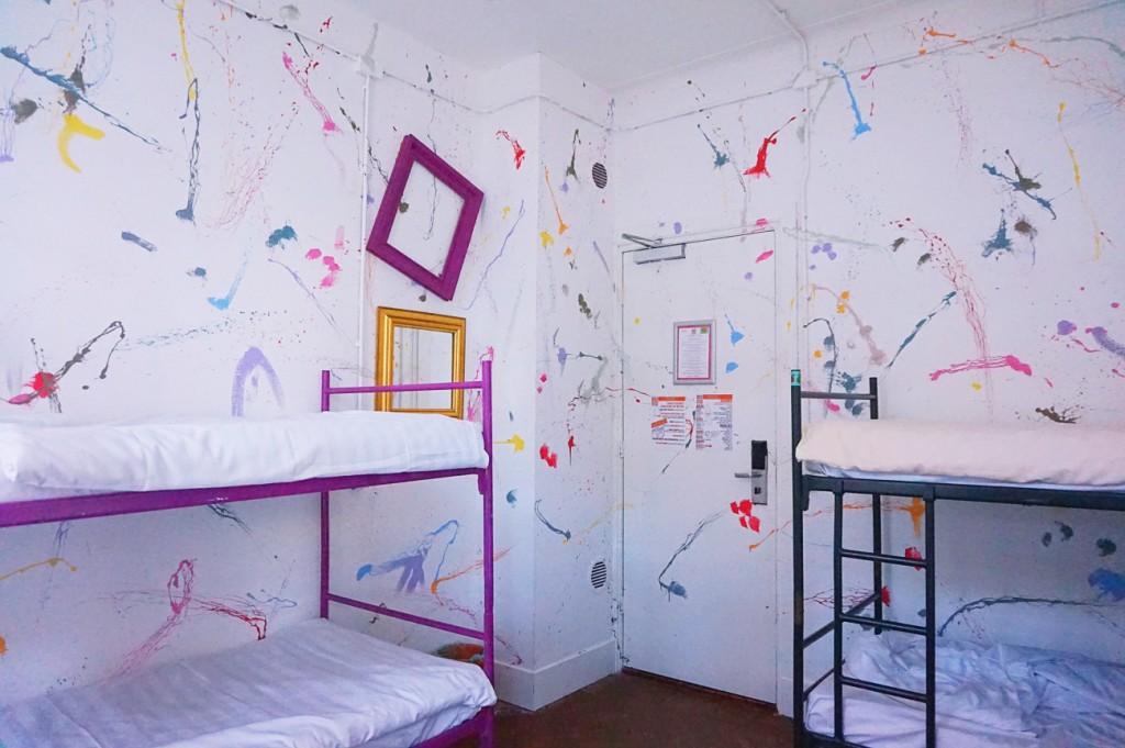 sz_Hostel Room Rotterdam_Art Room_2