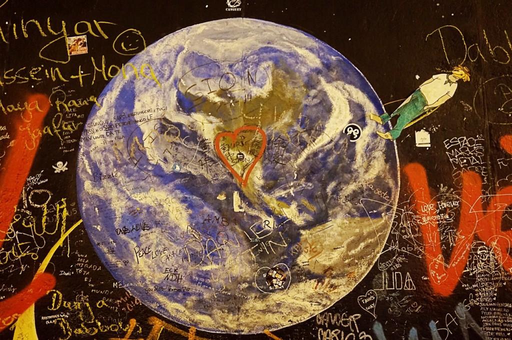 East Side Gallery Berlin Wall 14 sz