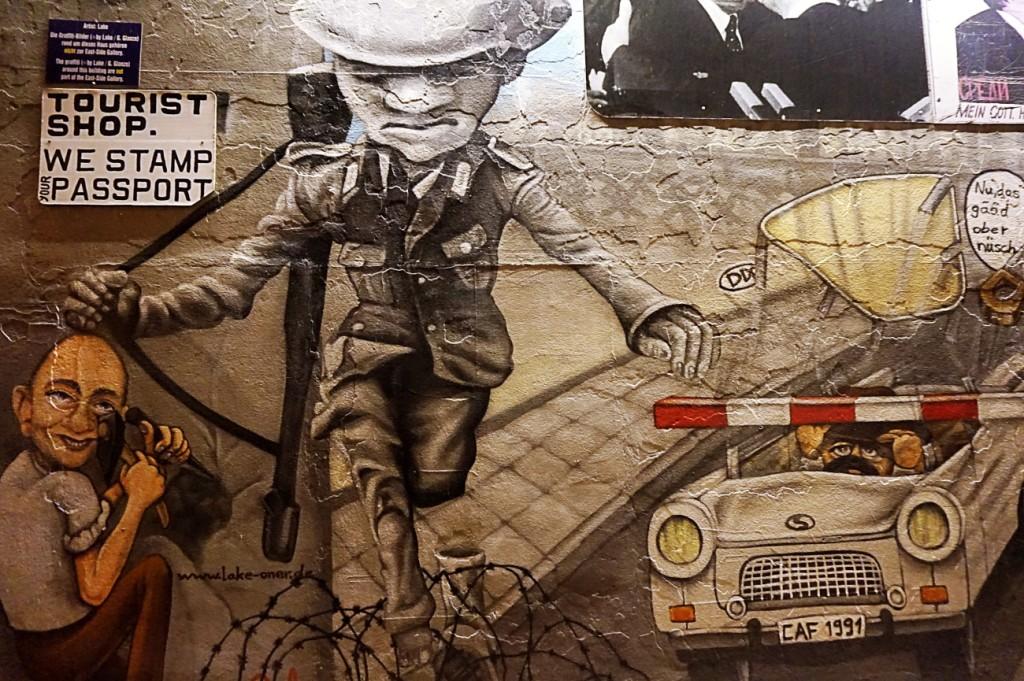 East Side Gallery Berlin Wall 15 sz