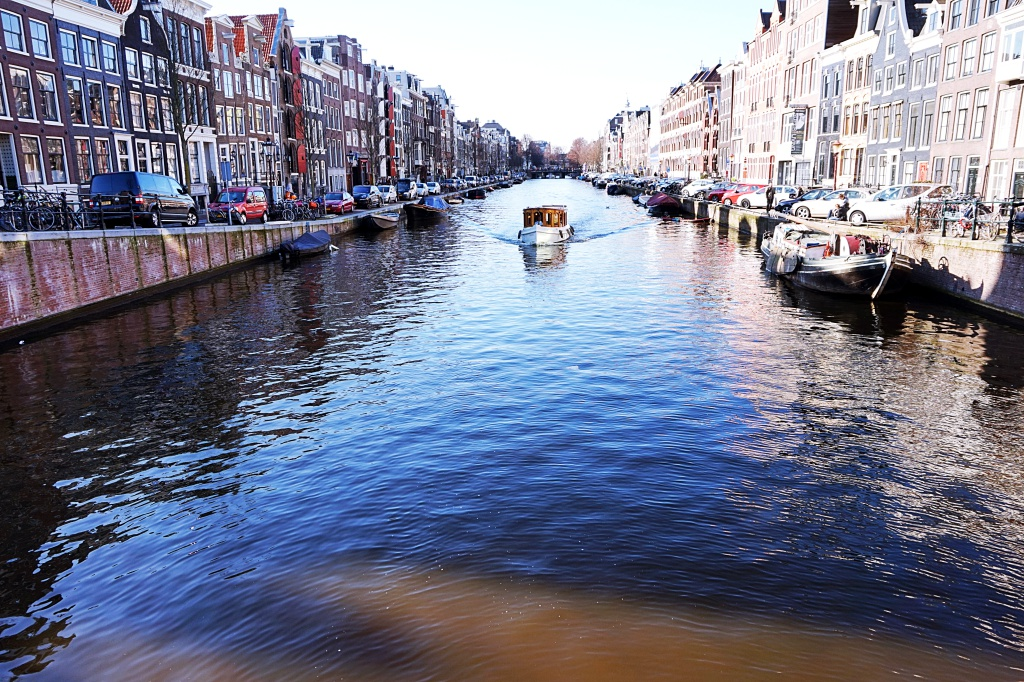 A complete guide to moving to Amsterdam by The Hostel Girl 01