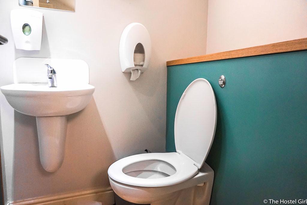 sz REVIEW YHA Bath Hostel-14