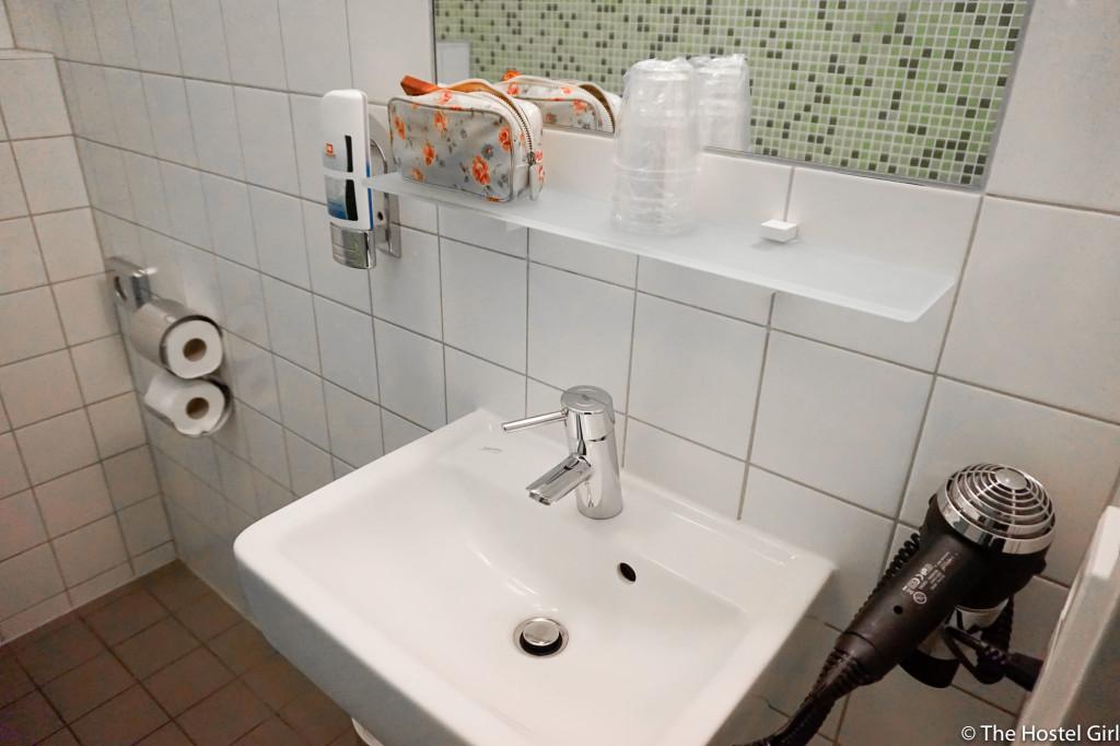 REVIEW- MEININGER Hotel Hamburg, Germany -13