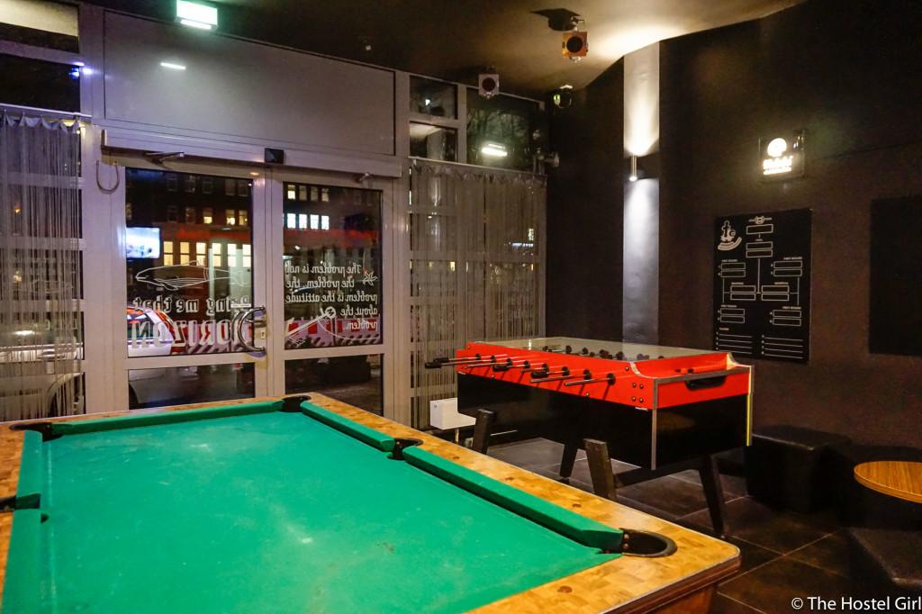 review meininger hotel hamburg the hostel girl. Black Bedroom Furniture Sets. Home Design Ideas