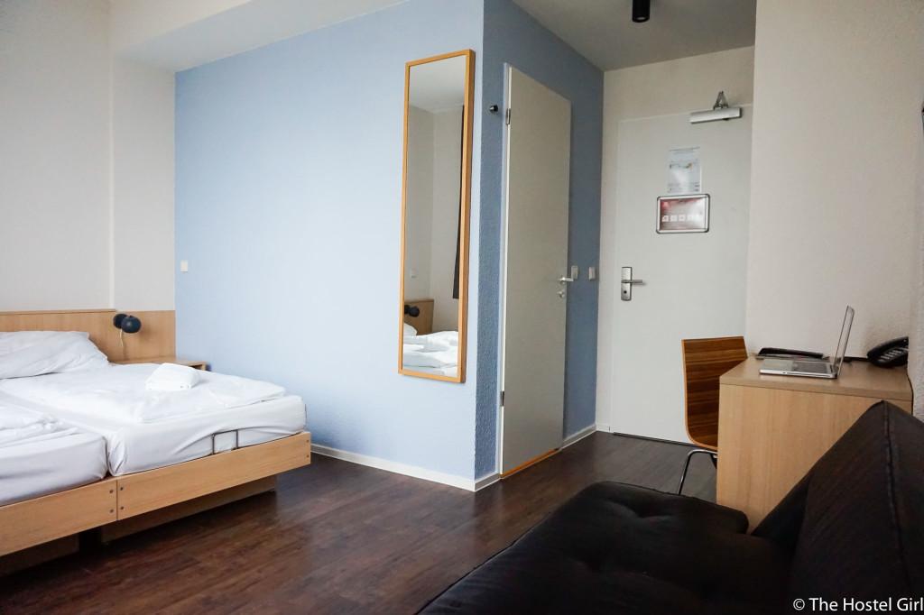 REVIEW- MEININGER Hotel Hamburg, Germany -31
