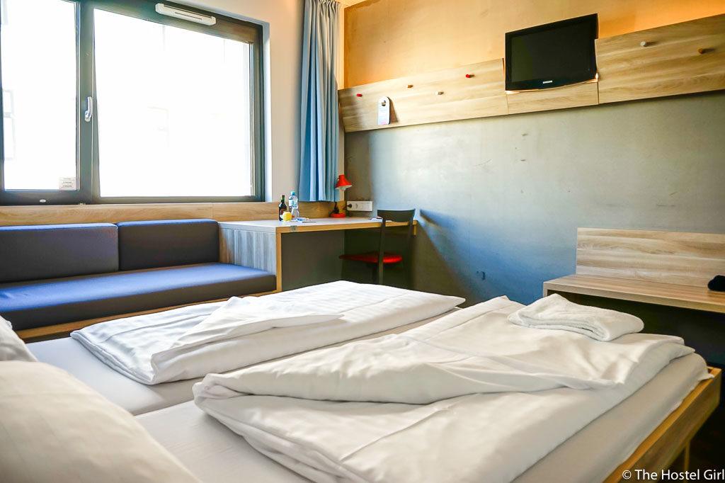 HOSTEL REVIEW MEININGER Hotel Vienna Downtown Franz-10