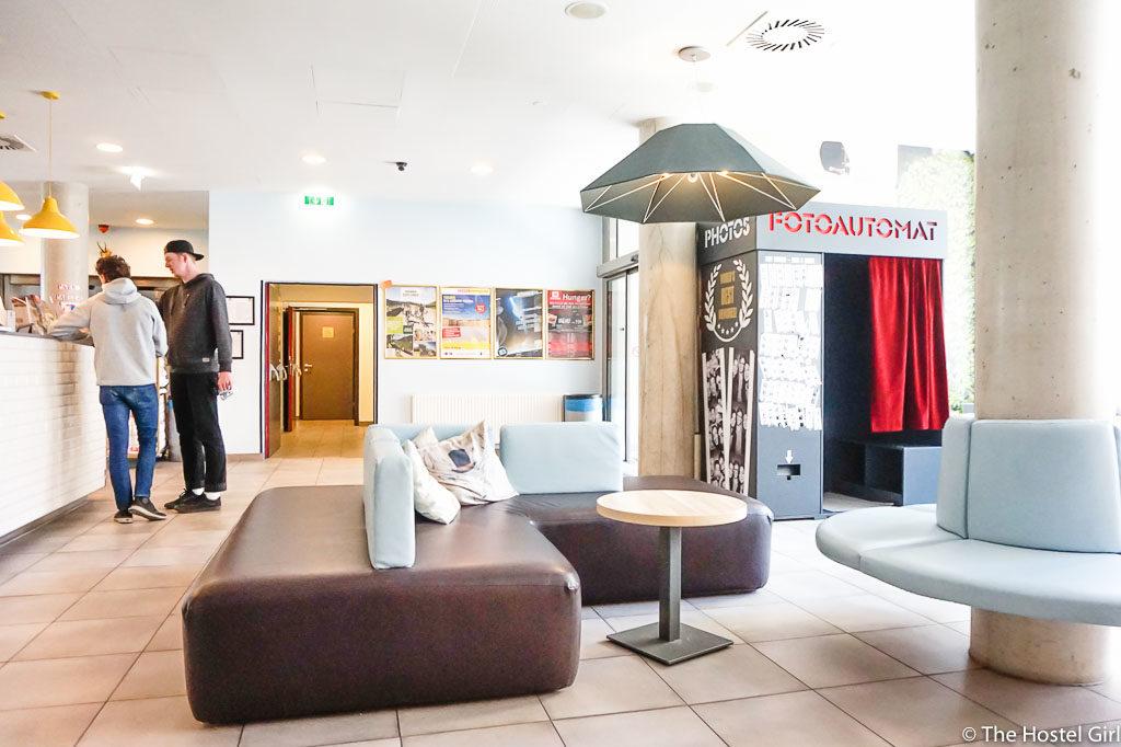 HOSTEL REVIEW MEININGER Hotel Vienna Downtown Franz-21