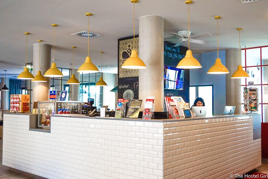 HOSTEL REVIEW MEININGER Hotel Vienna Downtown Franz-26