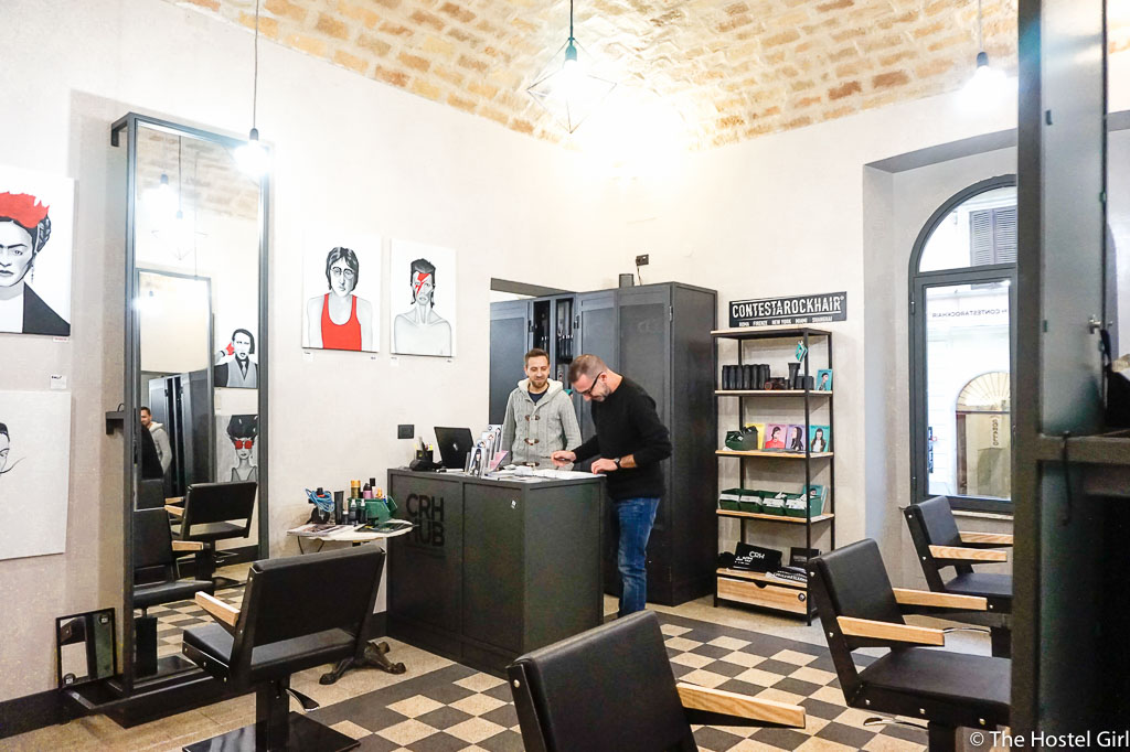 The Yellow Rome Hostel - A Hostel With a Hair Salon -7